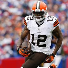 Josh Gordon Shakes His Way Back Into Being Reinstated By The NFL
